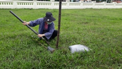 """25 พฤษภาคม 2564  กิจกรรมปลูกต้นไม้ ภายใต้ ชื่อ """"รวมใจไทย ปลูกต้นไม้ เพื่อแผ่นดิน""""(5)"""
